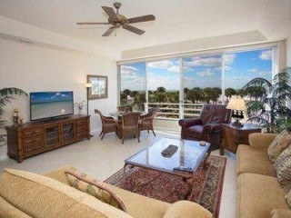 Condo directly on #1 Beach in USA