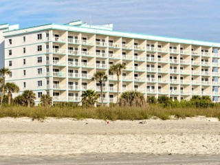 Excellent Location Condo on Cocoa Beach