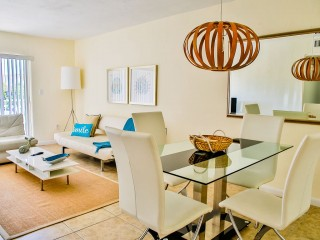 Beautiful 2BR/2BA Key Biscayne Apartment