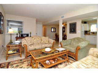 Beach Family Friendly Updated Condo