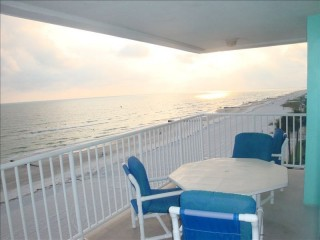 Gorgeous Sunsets Beachfront Condo