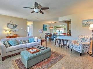 Beautifully Decorated Ormond Beach Bungalow