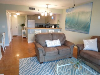 Clean Oceanfront Condo ~Military Discount