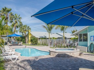 Tropical Cottages of Madeira Beach