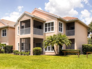 Perfect 2BR Port St. Lucie Golf Condo