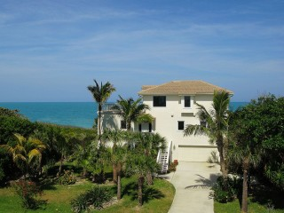 Superlative Oceanfront Single Family Home