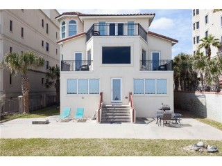 Golden Star Lower 3 Bedroom, Beach Front