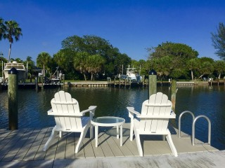 Wonderful Bay Front Condo Bring Your Boat