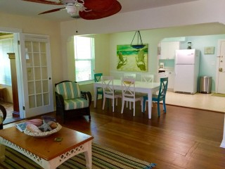 Comfortable Family Vacation Home Walk to Beach Access.