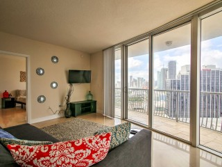 2BR Miami Condo – Balcony w/Ocean & City Views