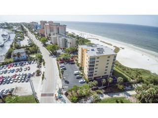 Beachfront Condo with Views – Near Bowditch Point