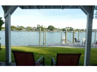 Waterfront 2BR Condo in Treasure Island