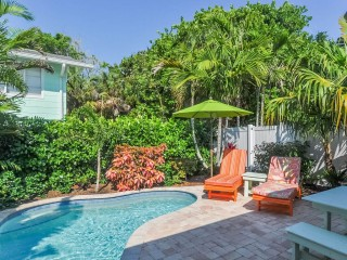 Island Living & Remodeled Private Heated Pool!